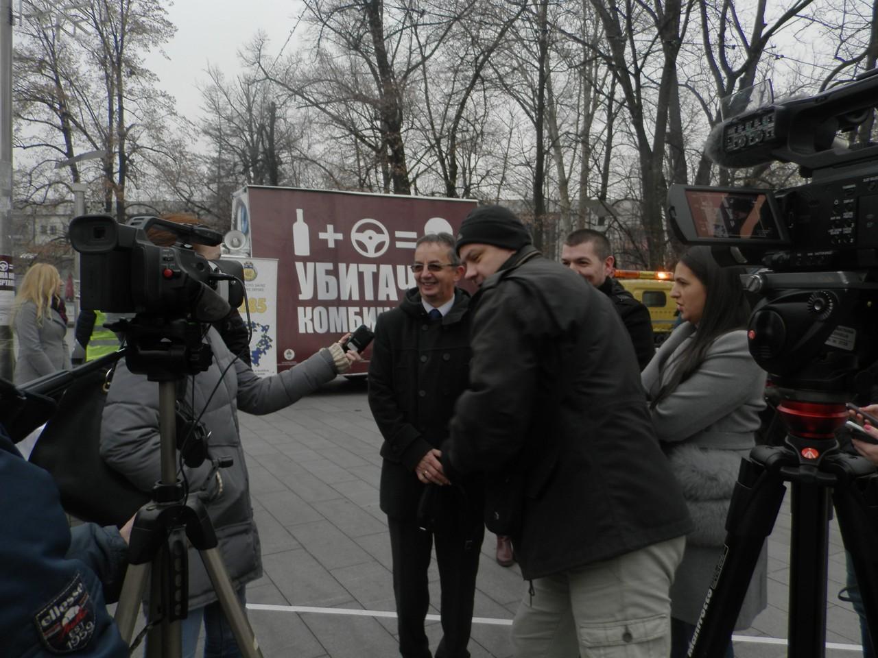 """Почела кампања """"АЛКОХОЛ+ВОЛАН=УБИТАЧНА КОМБИНАЦИЈА"""" /""""СРЕЋНА НОВА БЕЗ ЖРТАВА"""""""