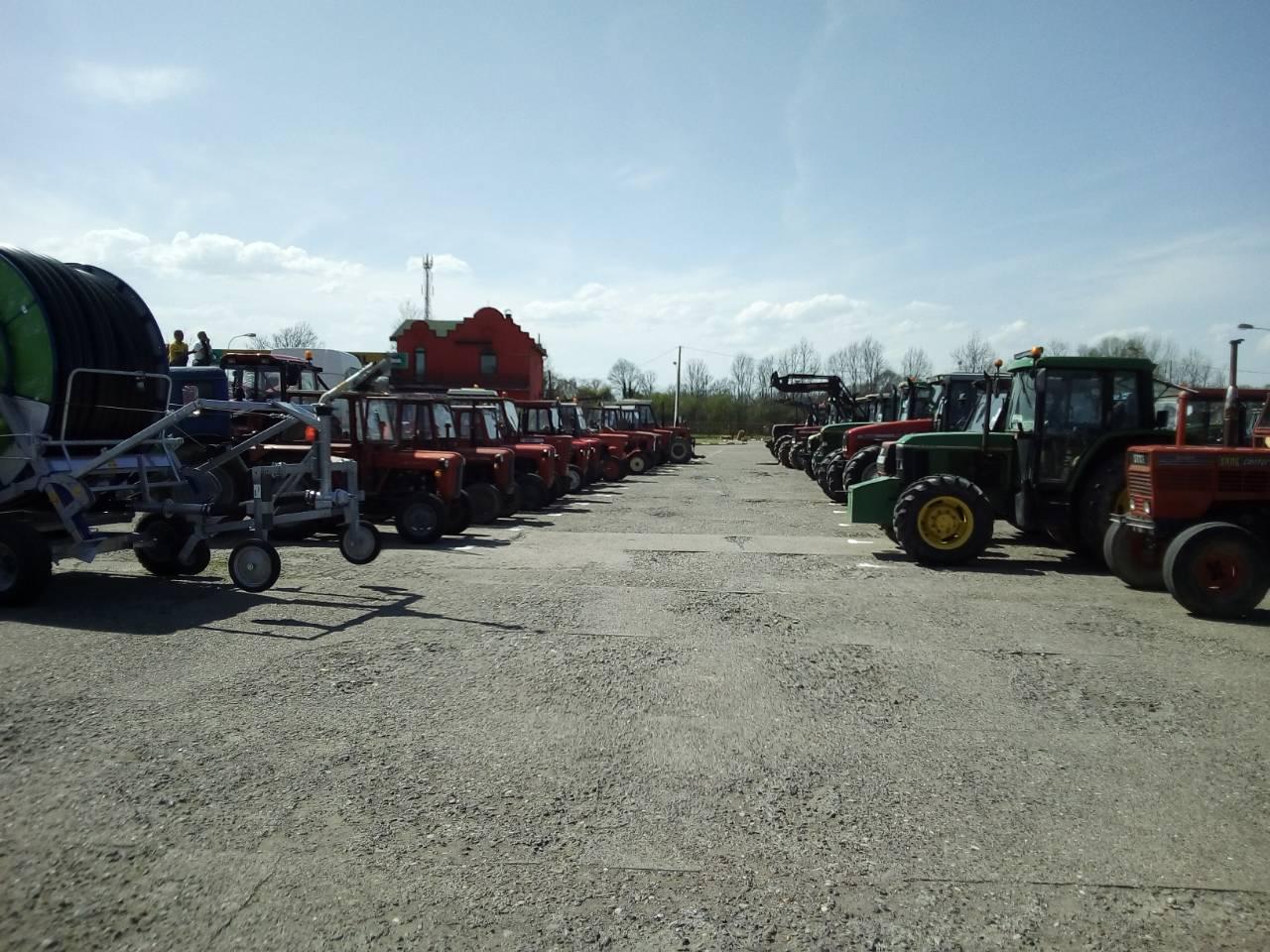 У Доњој Слатини одржана прва тракторијада