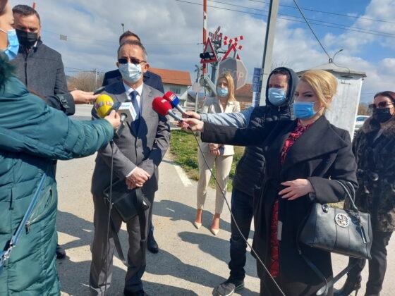 """У Приједору је данас обиљежен почетак кампање под називом """"Опрезни пазе на пружне прелазе"""" која ће трајати до 30.септембра."""